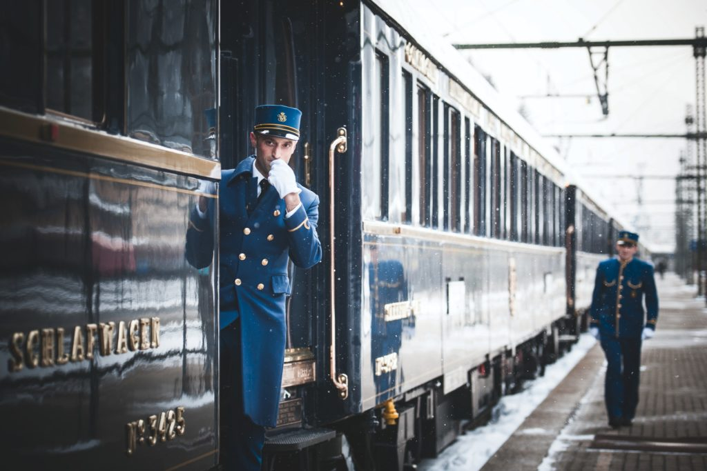 pociąg na stacji